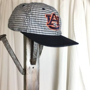 Other - Vintage Auburn clasp back hat